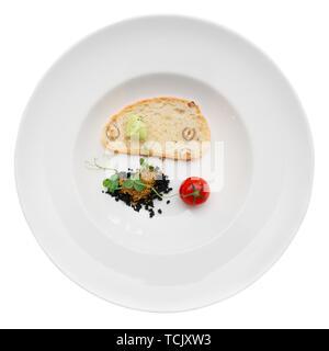 Plat gastronomique de l'olives, pain aux noix et aux tomates, isolé Banque D'Images