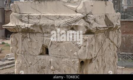 Close up of trajans column à Rome, Italie Banque D'Images
