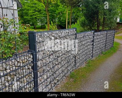 Clôture de gabions de pierres Banque D\'Images, Photo Stock ...
