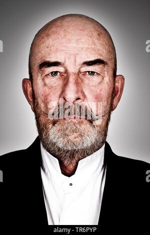 Vieil homme à barbe grise et tête à tête, l'Allemagne, la Bavière Banque D'Images
