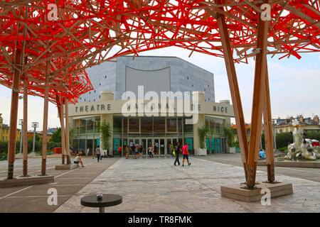 France, Alpes Maritimes, Nice, Théâtre National de Nice par le Musée d'Art moderne et contemporain dans le centre-ville Banque D'Images