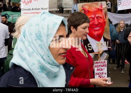 Le Président américain Donald Trump's deuxième jour d'une controverse visite d'état de trois jours au Royaume-Uni, à la voix des manifestants leur opposition au 45e président américain, à Trafalgar Square, le 4 juin 2019, à Londres en Angleterre.