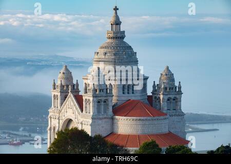 Santuário de Santa Luzia et la côte, Viana do Costelo, Norte, Portugal Banque D'Images