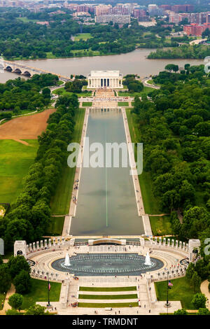 World War II Memorial Reflecting Pool, et Lincoln Memorial vus de Washington Monument National Memorial, Washington, DC Banque D'Images