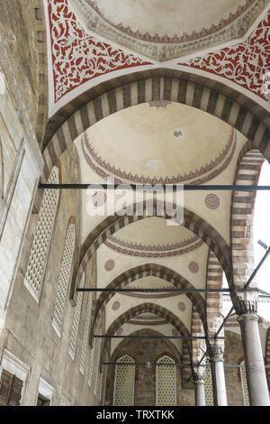 Intérieur de la Mosquée Bleue (Sultanahmet Camii), Istanbul, Turquie. Banque D'Images