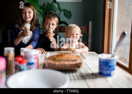 551 Fille De 12 Ans Photos libres de droits et gratuites