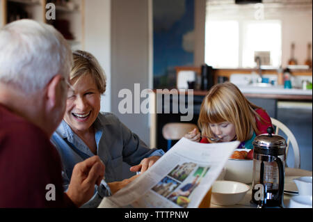 Happy family room Banque D'Images