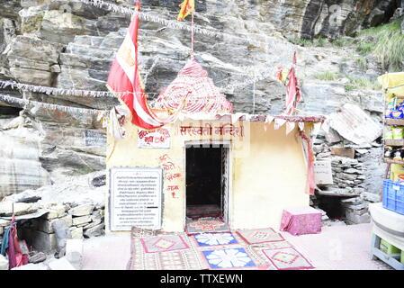 Temple de l'Inde à Sarasvati dernier village Village Mana 2019 Badrniath au Tibet près de la frontière , Chamoli, Rudrapryag, Inde, Asie