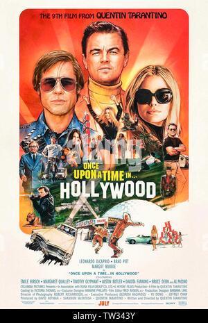Il était une fois ... à Hollywood (2019) écrit et réalisé par Quentin Tarantino et avec Leonardo DiCaprio, Brad Pitt et Margot Robbie. Le 9e set film Tarintino en 1969 Los Angeles comme l'âge d'or Hollywood tire à sa fin.