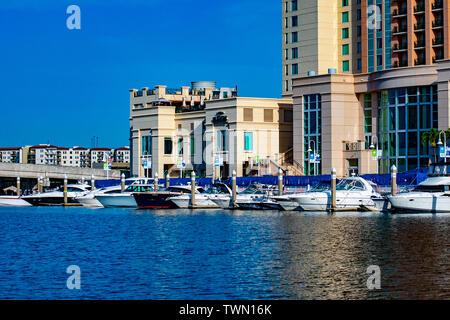 Tampa Bay, en Floride. Le 28 avril 2019 . Bateaux de luxe Marriott Hotel Rue de l'eau et sur la rivière Hillsborough (1)