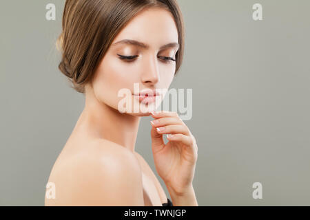 Cute woman portrait, soin du visage et concept