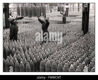 Vintage 1915 World War 1 coquille d'usine de production de munitions de la propagande de l'information droit de la vaste usine de remplissage de munitions Chilwell, Grande-Bretagne WW1 plus de 19 millions d'infanterie et de l'obus de marine ont été remplis d'explosifs ici par 10 000 travailleurs entre 1915-1918, au cours de la Première Guerre mondiale 1. L'usine de 50 % de tous les obus britanniques pendant la Grande première guerre mondiale.