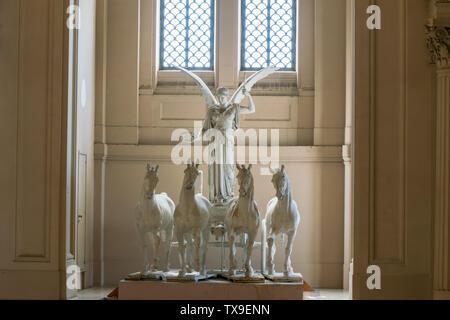 Statue de la Déesse Victoria équitation sur Quadriga, Altare della Patria, Rome, Italie Banque D'Images