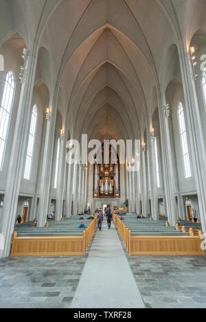 . Hallgrímskirkja Paroisse luthérienne église à Reykjavík, Islande Banque D'Images