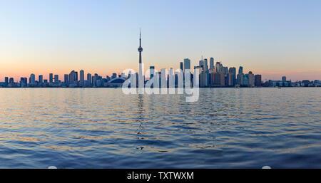 L'horizon de Toronto avec l'emblématique Tour du CN, l'Ontario, Canada