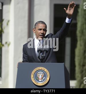 Le président Barack Obama aborde une foule de milliers au Cesar E. Chavez National Monument à Keene, Californie le 8 octobre 2012. UPI/Phil McCarten Banque D'Images