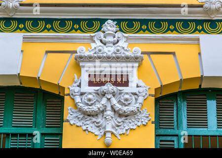 Vietnam, Ho Chi Minh (Saigon), détails de la façade de la Poste centrale (19ème siècle)