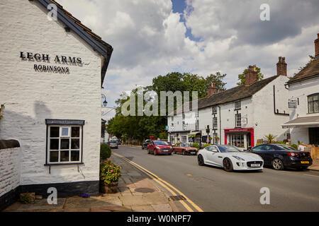 Prestbury est un village et une paroisse civile dans le Cheshire, en Angleterre. Environ 1,5 miles au Nord de Macclesfield