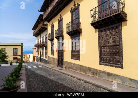 LA OROTAVA, Tenerife, Canaries, Espagne - 25 juillet 2018: La façade du musée Casa de los Balcones dans le centre historique de la vieille ville. Banque D'Images