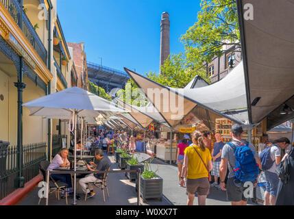 Le marché du dimanche sur la rue George, le sergent-major's Row, le quartier des roches, Sydney, New South Wales, Australia Banque D'Images