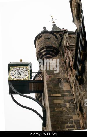 La Tolbooth Tavern, sur le Royal Mile, Édimbourg. Anciennement un péage, le palais de justice et la prison. Banque D'Images