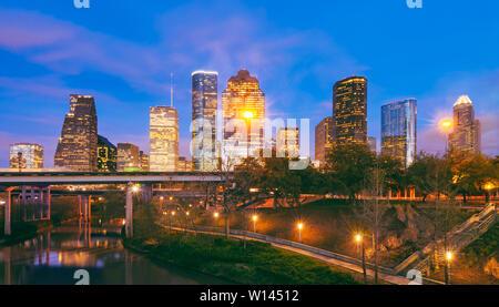 Toits de Houston au Texas au crépuscule Banque D'Images