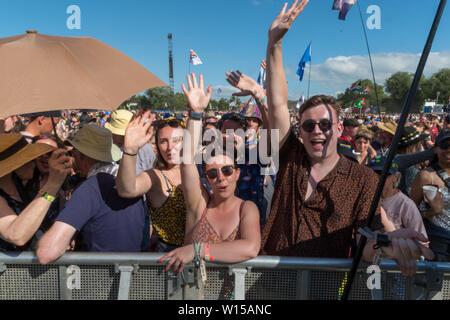 Pilton, Somerset, Royaume-Uni. 30 juin 2019 foule au festival de Glastonbury. Crédit: Jim Houlbrook/Alamy Live News Banque D'Images