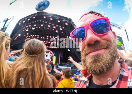 Glastonbury, Somerset, UK, Pilton. 30 juin 2019. La foule au stade de pyramide à Glastonbury Festival le 30 juin 2019. Photo par Tabatha Fireman / perspective féminine Crédit: perspective féminine/Alamy Live News Banque D'Images