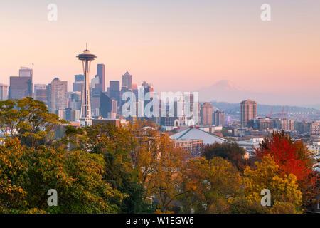 Vue de la Space Needle de Kerry Park, Seattle, État de Washington, États-Unis d'Amérique, Amérique du Nord