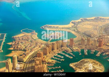 Vue aérienne de l'Pearl-Qatar à Venise, quartier Qanat, Marsa Soutien scolaire primaire Kempinski Hotel and Towers de Porto Saoudite, Doha, Qatar
