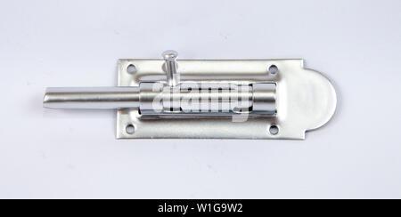 Cuivre (loquet de fixation de la serrure de porte) couleur isolé sur fond blanc Banque D'Images