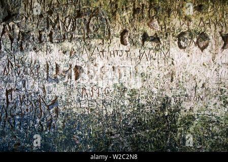 L'Irlande, dans le comté de Cork, le château de Blarney, Blarney, 15e siècle, l'intérieur graffiti Banque D'Images