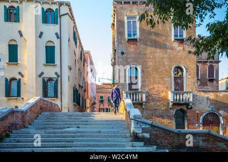 Petit canal de Cannaregio de Venise, Vénétie, Italie Banque D'Images