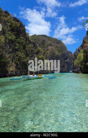 Philippines, Palawan, El Nido, docks de Miniloc Island, petite lagune Banque D'Images