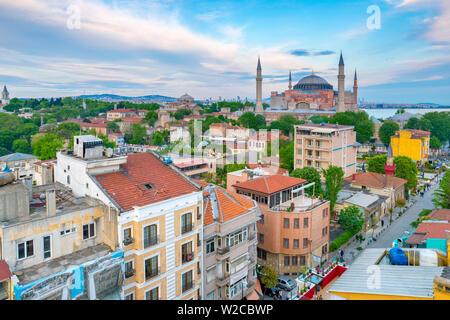 La Turquie, Istanbul, Sultanahmet, Sainte-Sophie (Ayasofya) ou grecque orthodoxe, basilique, mosquée impériale, et maintenant un musée Banque D'Images