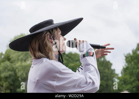 Turku, Finlande. 7 juillet 2019. La chanteuse danoise Mø effectue au 50e Festival Ruisrock. (Photo: Stefan Crämer) Banque D'Images