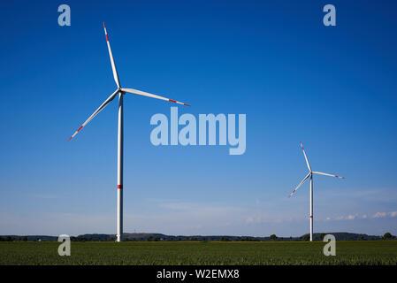 Éoliennes dans la campagne Banque D'Images
