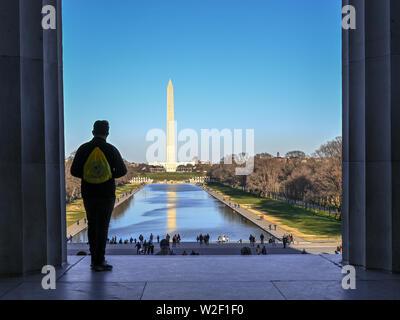 Vue depuis le Lincoln Memorial à Washington Monument au printemps 2019 à Washington DC Banque D'Images