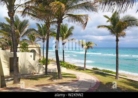 Hôtel particulier de luxe sur le bord de mer à Palm Beach
