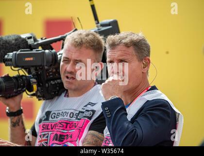 TOWCESTER, Royaume-Uni. 7Th Jul 2019. David Marshall Coulthard, MBE (gauche) - L'ancien pilote de course de Formule 1 Formule 1 lors du Grand Prix Rolex 2019 au circuit de Silverstone le vendredi, Juillet 12, 2019 en Angleterre, de TOWCESTER. Credit: Taka G Wu/Alamy Live News Banque D'Images