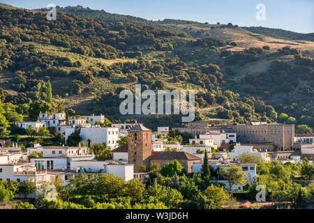 Ville de Juviles, Las Alpujarras, province de Grenade, Andalousie, Espagne Banque D'Images