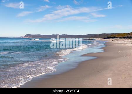 Plages dans le parc national de Freycinet sur la côte est de la Tasmanie, Australie sur une journée ensoleillée winters