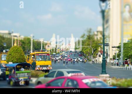 Bangkok, Thaïlande - 24.04.2019 L'une des principales rues de Bangkok Thaïlande Banque D'Images