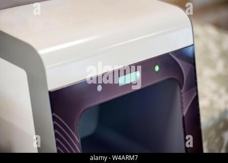 Close up Hand Sanitizer sans contact de la machine pour la désinfection des mains Banque D'Images