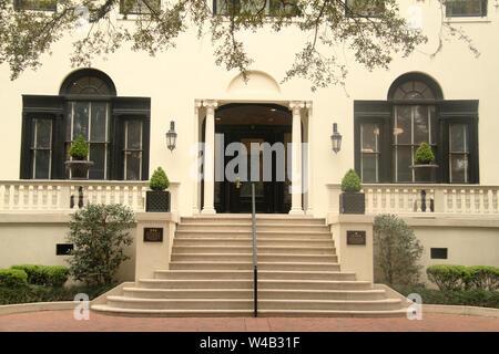 L'architecture du xixe siècle à Savannah, GA, États-Unis. Lai Wa Hall, maintenant utilisé comme bâtiment administratif de SCAD. Banque D'Images