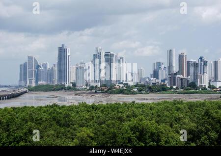 Vue de Punta Pacífica et Coco de Mar salon à Panama City