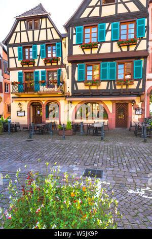 Maisons colorées à colombages à Kaysersberg, Alsace, France, vieille ville pittoresque et destination touristique