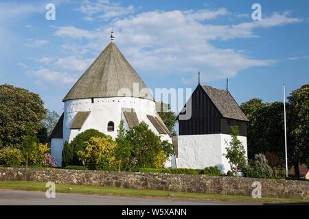 L'église ronde Osterlars Osterlars, et clocher, Bornholm, la mer Baltique, Danemark, Europe