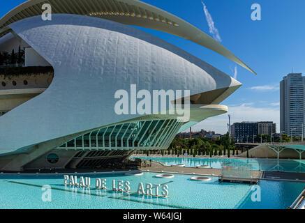 Juillet 27, 2019 - VALENCIA, Espagne. Le Palau de les Arts Reina Sofia (2005) Opéra est partie de la Cité des Arts et des Sciences de Valence centre-ville