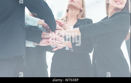 Le travail d'équipe - l'appui d'amis et le succès dans les affaires Banque D'Images